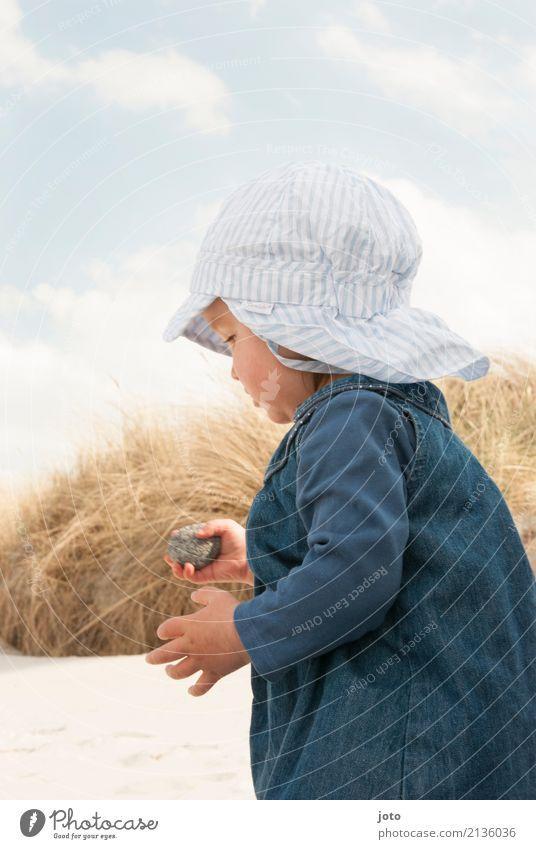 Mein Stein Kind Natur Ferien & Urlaub & Reisen Sommer Strand Leben Spielen Freiheit Sand Ausflug Kindheit Idylle Abenteuer lernen entdecken