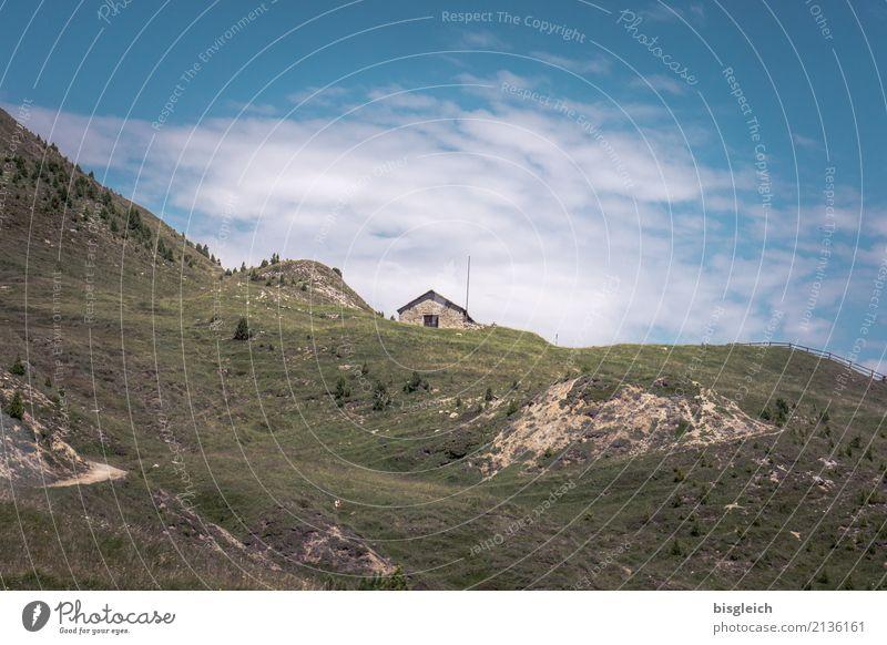 Berghütte Bergsteigen wandern Klettern Umwelt Natur Landschaft Gras Alpen Berge u. Gebirge blau braun grün Einsamkeit Farbfoto Außenaufnahme Textfreiraum oben