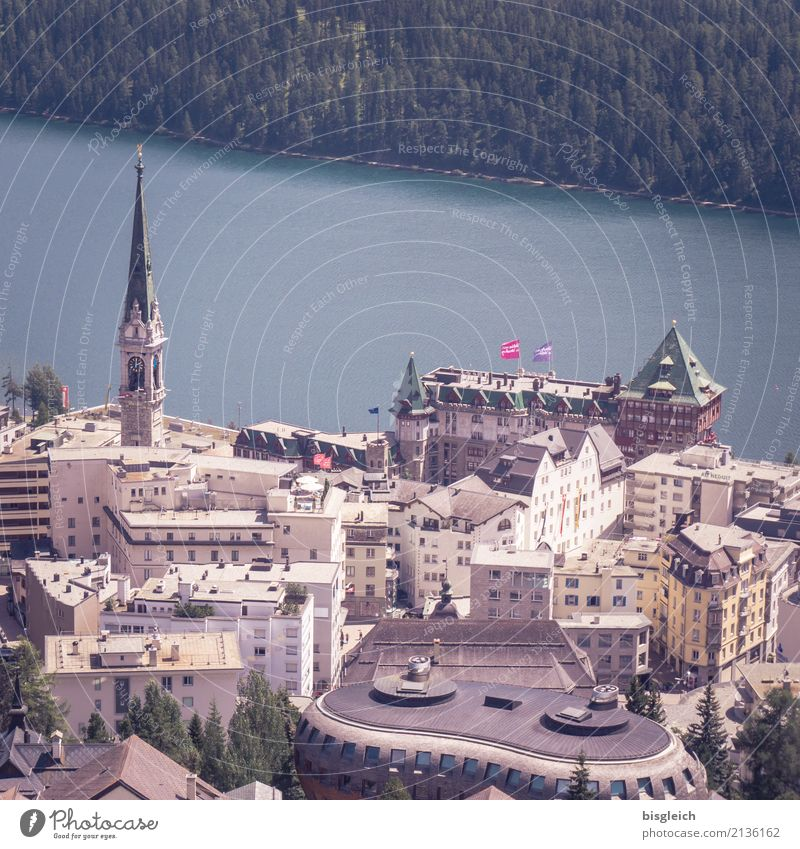 St. Moritz blau Stadt grün See Kirche Europa Skyline Stadtzentrum Schweiz