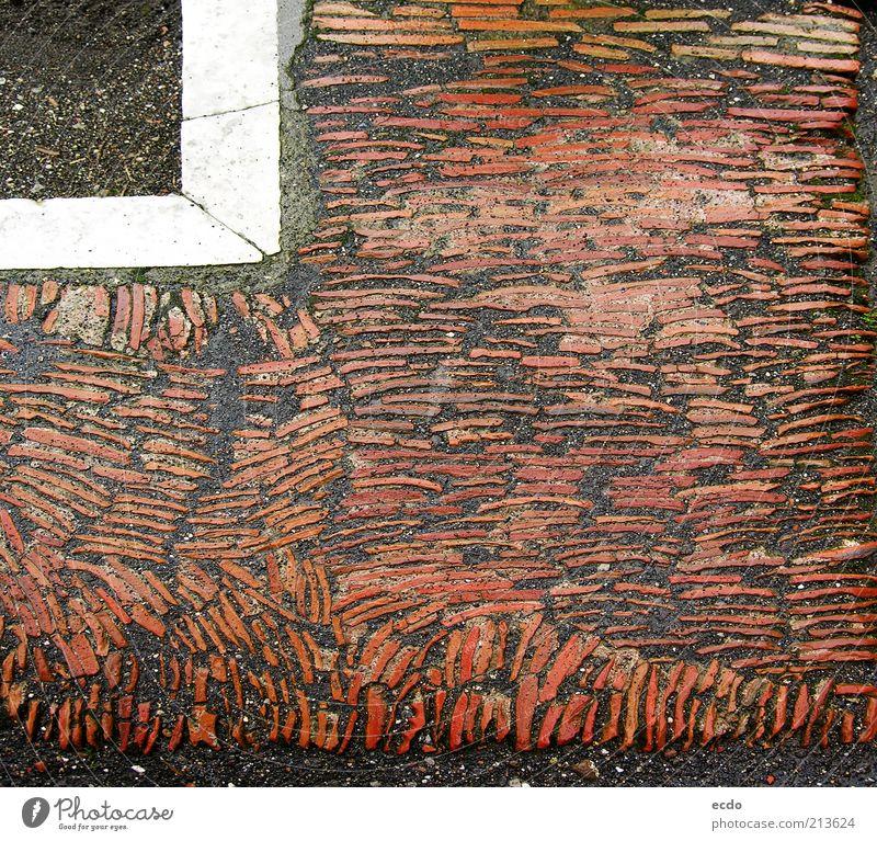 Pompeiitiles Ruine Wahrzeichen historisch kalt nass grau rot weiß nachhaltig Zerstörung Fliesen u. Kacheln Handwerkskunst Etage Ecke Farbfoto Gedeckte Farben
