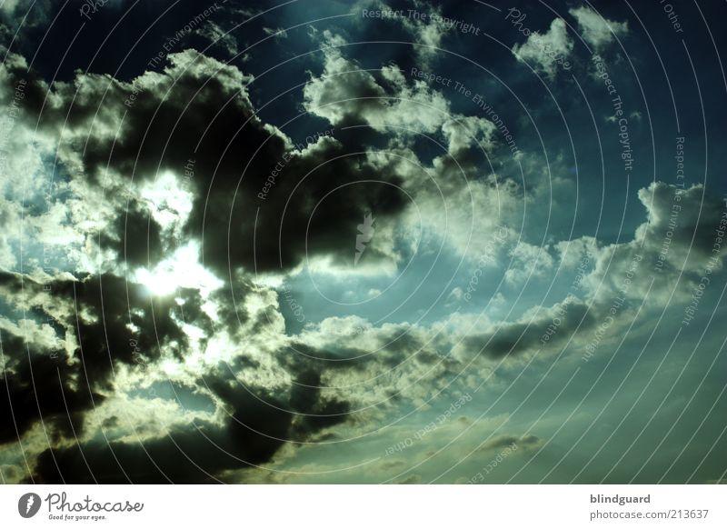 Fear Of The Dark Natur Himmel Wolken Gewitterwolken Sonne Sonnenlicht Sommer Klima Klimawandel Wetter schlechtes Wetter Unwetter bedrohlich dunkel blau grau