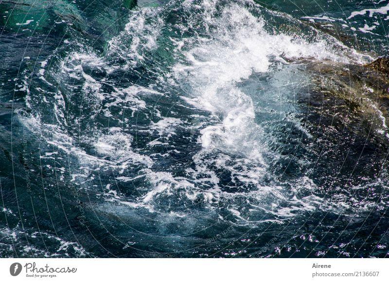 schäumende Wellen Ferien & Urlaub & Reisen blau Wasser weiß Meer Bewegung Stein Schwimmen & Baden Angst wild frisch Kraft gefährlich Urelemente türkis