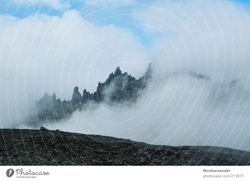 Merlins Reich Natur Wolken Landschaft Berge u. Gebirge Freiheit Wetter Klima außergewöhnlich Nebel Tourismus Ausflug Urelemente bedrohlich Gipfel entdecken bizarr