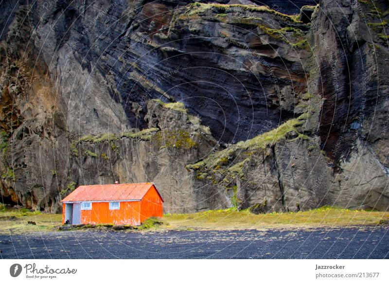 Red Cottage Natur Landschaft orange Küste Felsen Haus Hütte Island Umwelt Landschaftsformen Starke Tiefenschärfe Gebäude Holzhütte