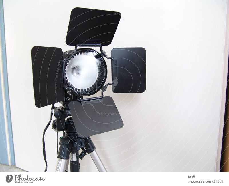 Studioleuchte nr. 2 Werkstatt Licht Lampe Dinge Scheinwerfer Beleuchtung Nahaufnahme Flügeltore Lichtklappen