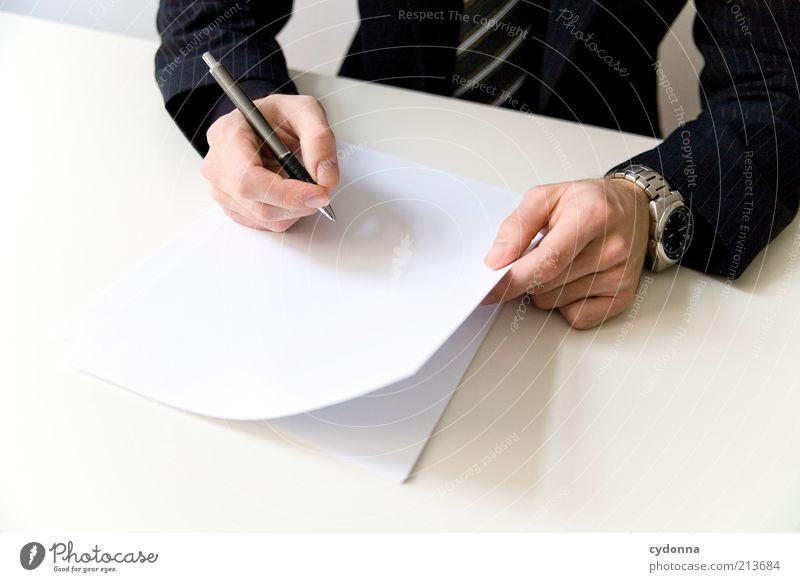 Gib mir das schriftlich Mensch Mann Hand Büro Erwachsene Business planen Papier Zukunft Bildung schreiben Schreibtisch Anzug Arbeit & Erwerbstätigkeit