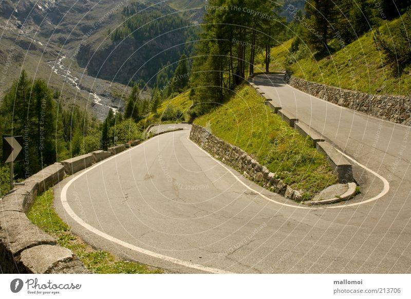 180° Natur grün Ferien & Urlaub & Reisen Ferne Straße Berge u. Gebirge Landschaft Umwelt Wege & Pfade Ausflug Tourismus rund Güterverkehr & Logistik Asphalt