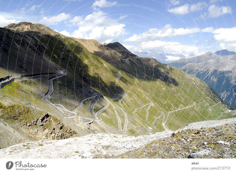 Alpenstrasse Deluxe Natur grün blau Sommer Ferien & Urlaub & Reisen Wolken Straße Berge u. Gebirge Wege & Pfade Landschaft Aussicht Reisefotografie Alpen außergewöhnlich Gipfel