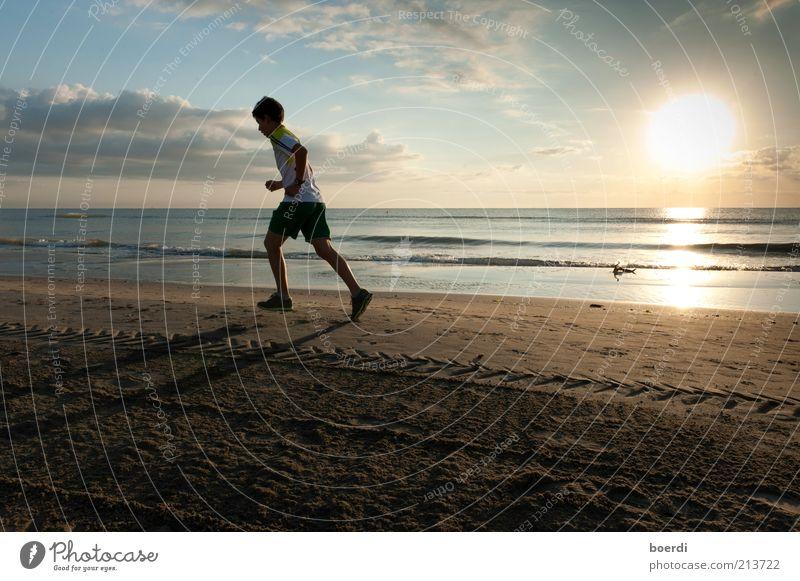eTappensieg / no. 100 Natur Jugendliche Himmel Meer Strand Ferien & Urlaub & Reisen Wolken Sport Leben Landschaft Stimmung Küste Gesundheit Erwachsene maskulin