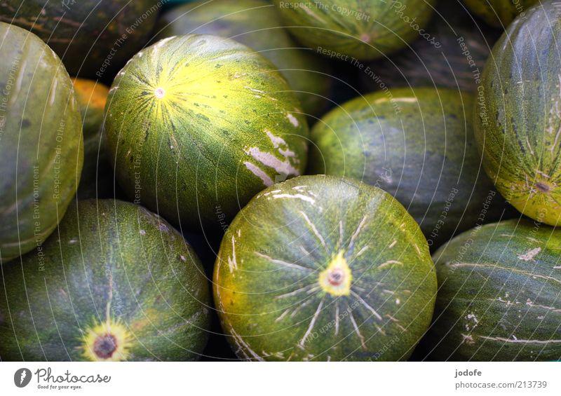 Honigmelonen grün gelb Lebensmittel Frucht mehrere rund viele Markt Melonen Marktstand Wassermelone