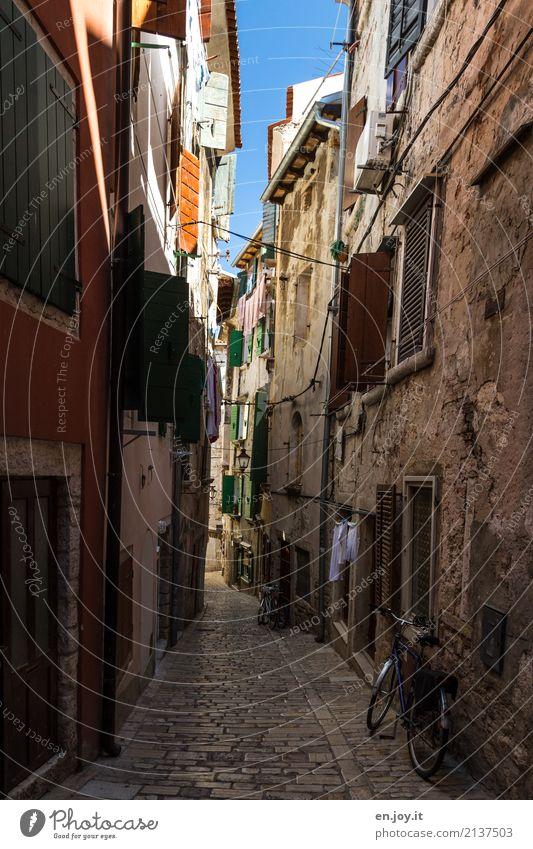 Wohnraum Ferien & Urlaub & Reisen Städtereise Häusliches Leben Rovinj Kroatien Istrien Europa Dorf Altstadt Menschenleer Haus Gebäude Fassade Straße