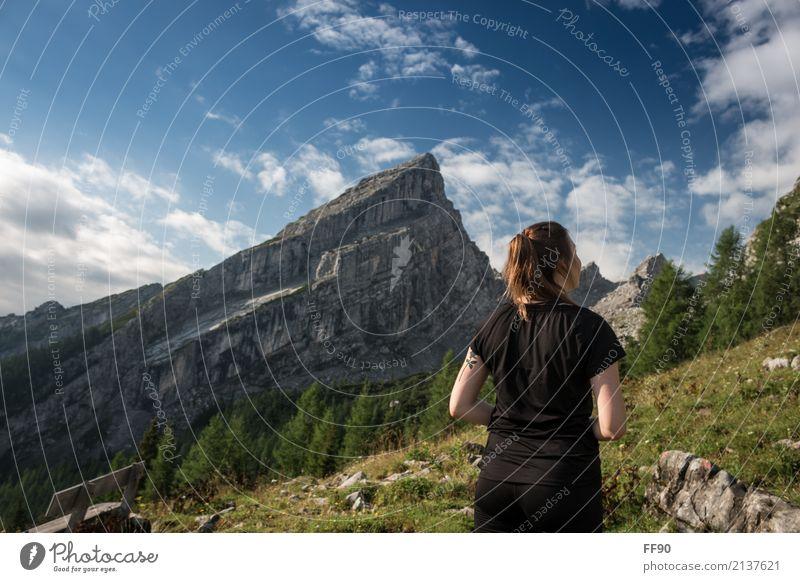 Kleiner Watzmann, großes Erlebnis wandern feminin Junge Frau Jugendliche Körper 1 Mensch 18-30 Jahre Erwachsene Umwelt Natur Landschaft Pflanze Himmel Wolken