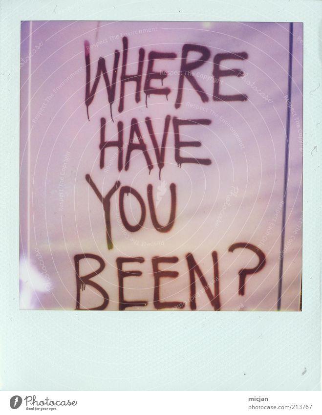 Comeback | Long time no see Graffiti glänzend rosa leer Kommunizieren Schriftzeichen violett Zeichen Neugier Kunststoff Fragen Sorge Interesse Trennung Polaroid Folie