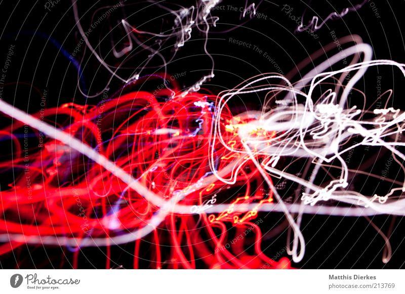 Rotweiß Graffiti Beleuchtung chaotisch Surrealismus durcheinander Lichtspiel abstrakt lichtvoll Farbenspiel Lichteffekt Lichtstreifen Warnfarbe Lichtschweif