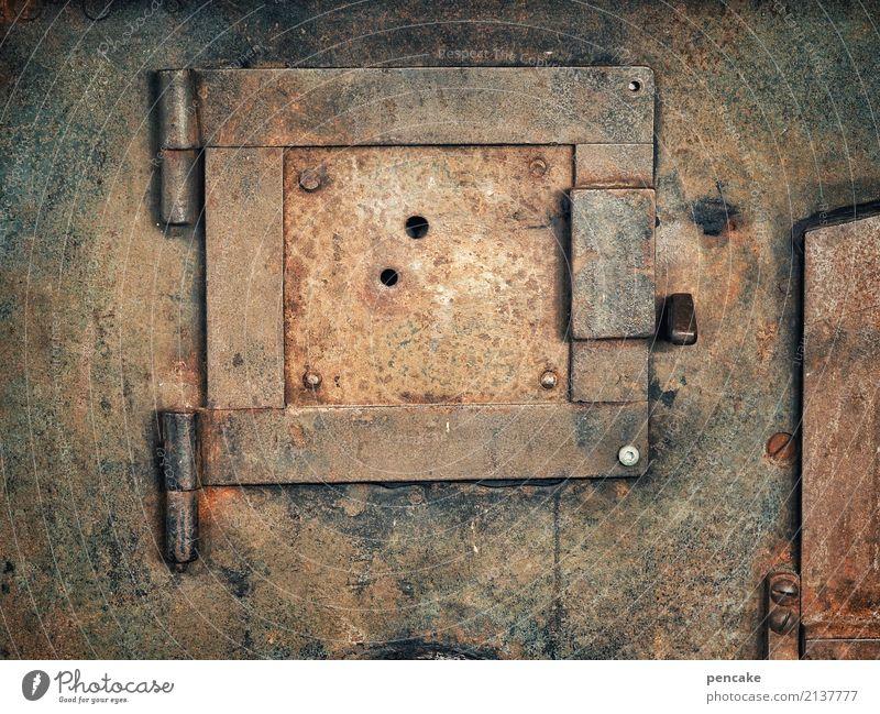 kaputt | bis dass der rost... alt dunkel Wärme Metall dreckig retro Tür Rost altehrwürdig nachhaltig Loch Eisen Originalität Herd & Backofen Ofenheizung