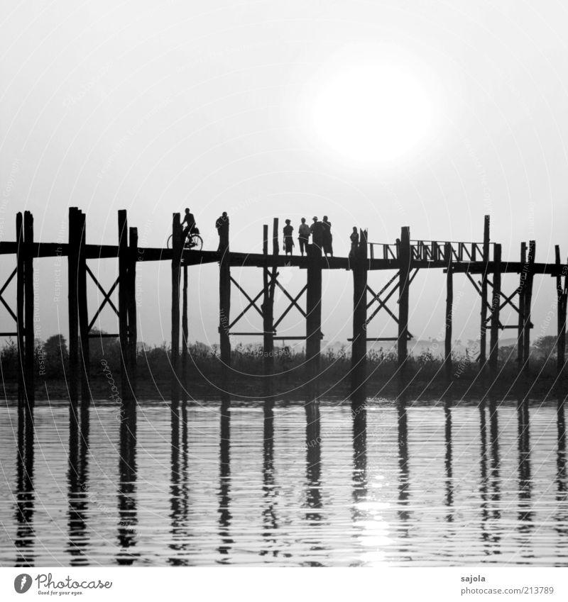 brücken schlagen Fahrradfahren Mensch Menschengruppe Umwelt Landschaft Amarapura Myanmar Asien Brücke Holzbrücke gehen Blick ästhetisch Gefühle Stimmung