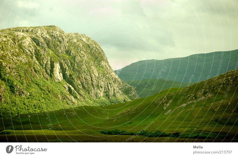 Highlandglühen Ferien & Urlaub & Reisen Berge u. Gebirge Umwelt Natur Landschaft Urelemente Himmel Felsen Highlands natürlich grün bizarr Schottland Wolkendecke