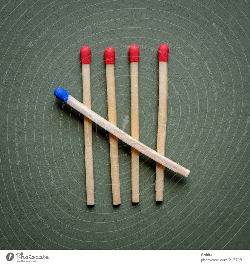 Fünf auf einen Streich (2) Feste & Feiern Weihnachten & Advent Streichholz Zeichen Ziffern & Zahlen Linie Netzwerk 5 warten ästhetisch blau grün rot Vorfreude