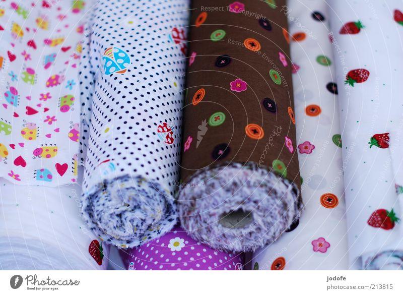 Stoff schön hell Dekoration & Verzierung Zeichen Kindheit mehrfarbig Stapel Rolle Knöpfe Muster Haufen gepunktet kindlich Vogelperspektive Stoffmuster