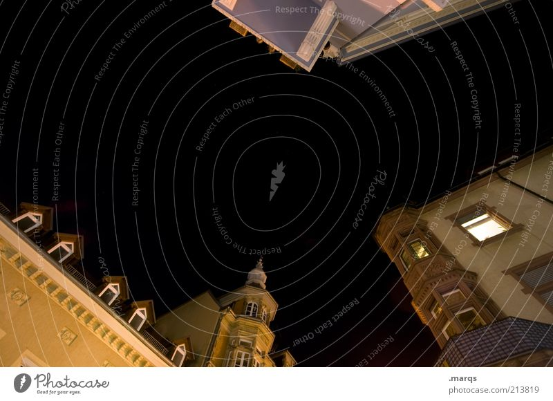 Augustiner schön alt Stadt Haus dunkel Stil Fenster Gebäude Architektur Fassade Lifestyle Perspektive ästhetisch Häusliches Leben Nachthimmel einzigartig