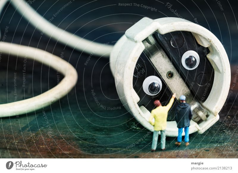700 | Miniwelten - Ist er gefährlich? Arbeit & Erwerbstätigkeit Energiewirtschaft Technik & Technologie Unterhaltungselektronik Fortschritt Zukunft Energiekrise