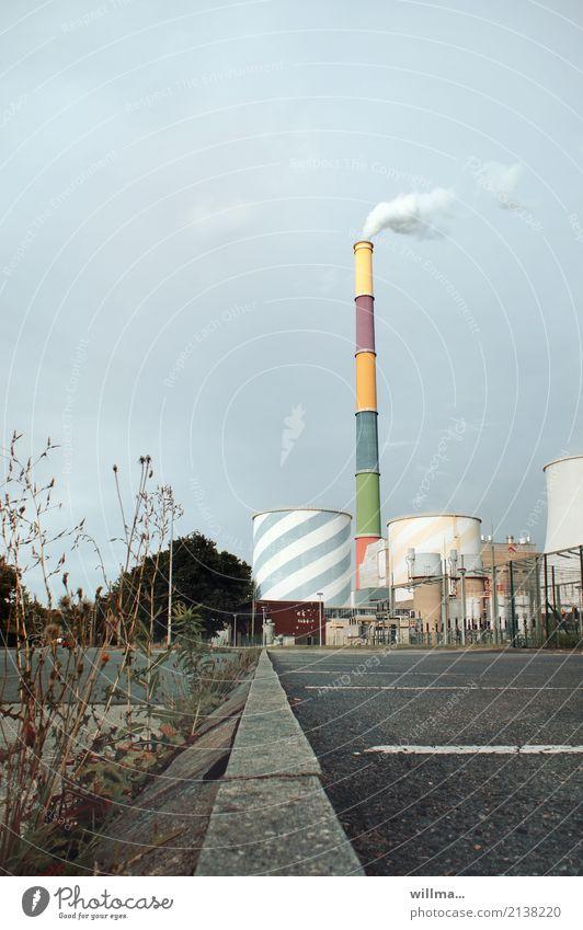 heizkraftwerk Industrie Energiewirtschaft Industrieanlage Heizkraftwerk Schornstein hoch Fernwärme Elektrizität bemalt mehrfarbig Chemnitz Wasserdampf Kühlturm