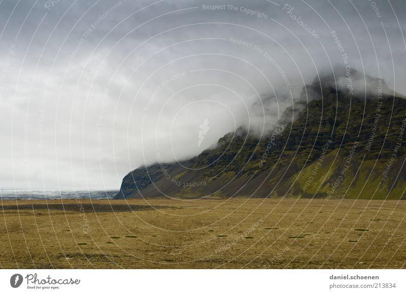 Islandwetter Ferien & Urlaub & Reisen Ferne Natur Landschaft Himmel Wolken Gewitterwolken Klima schlechtes Wetter Wind Sturm Regen Berge u. Gebirge dunkel