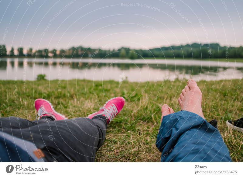 erstmal pause Mensch Natur Ferien & Urlaub & Reisen Jugendliche Sommer Landschaft Erholung ruhig 18-30 Jahre Erwachsene Liebe Wiese natürlich Freiheit Paar See