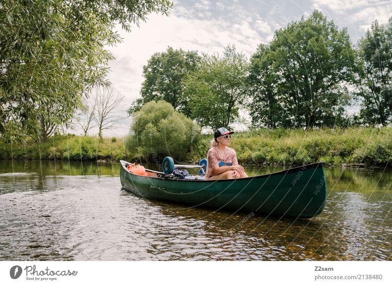 aufgesessen Natur Ferien & Urlaub & Reisen Jugendliche Junge Frau Sommer Wasser Baum Landschaft Erholung ruhig 18-30 Jahre Erwachsene Freiheit Ausflug
