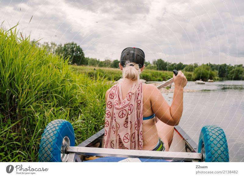 Deckung Natur Ferien & Urlaub & Reisen Jugendliche Junge Frau Sommer Landschaft Erholung Einsamkeit ruhig 18-30 Jahre Erwachsene Umwelt Wege & Pfade natürlich