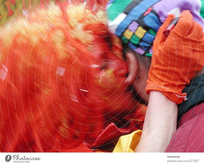 Ohrenschmaus Karneval mehrfarbig Freundschaft Menschengruppe verkleiden Liebe
