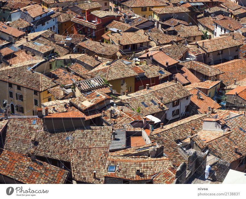Dächer am Gardasee Ferien & Urlaub & Reisen alt Sommer Erholung Haus Wärme Architektur Glück Tourismus Stein orange Wohnung Häusliches Leben Zufriedenheit