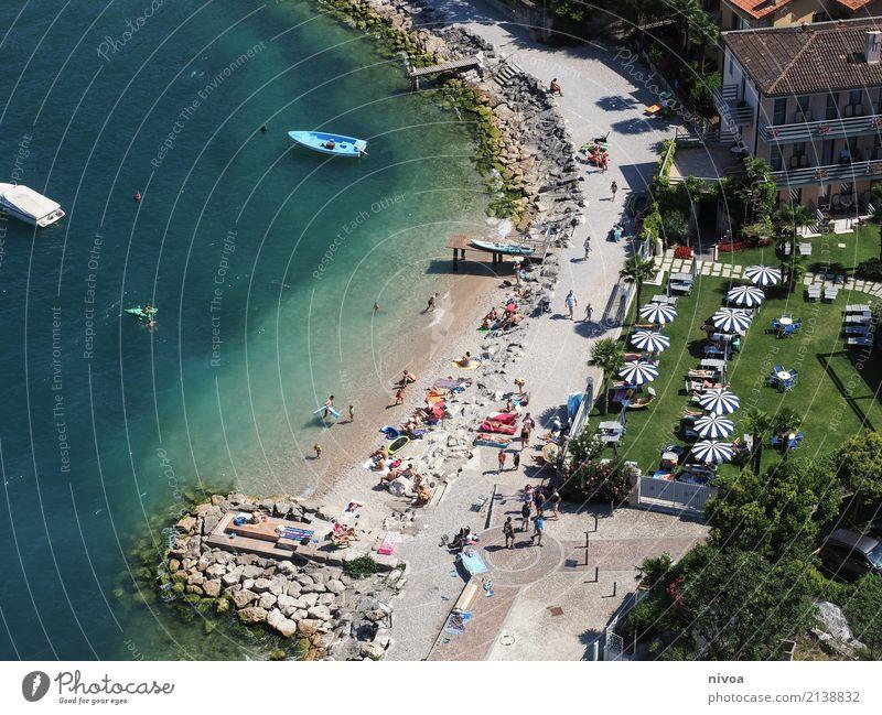 Gardasee Ferien & Urlaub & Reisen Tourismus Ausflug Sightseeing Mensch maskulin feminin Menschenmenge Umwelt Sommer Schönes Wetter Küste Seeufer Malcesine