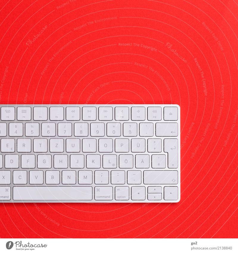 Tastatur auf rotem Hintergrund weiß Business Design Arbeit & Erwerbstätigkeit Büro Schriftzeichen Kommunizieren Technik & Technologie Kreativität Zukunft