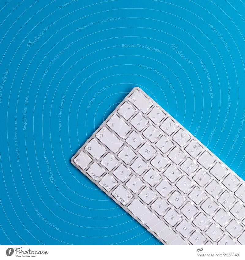 Tastatur blau weiß Schule Design Arbeit & Erwerbstätigkeit Büro Schriftzeichen ästhetisch Kommunizieren Technik & Technologie Kreativität lernen Computer