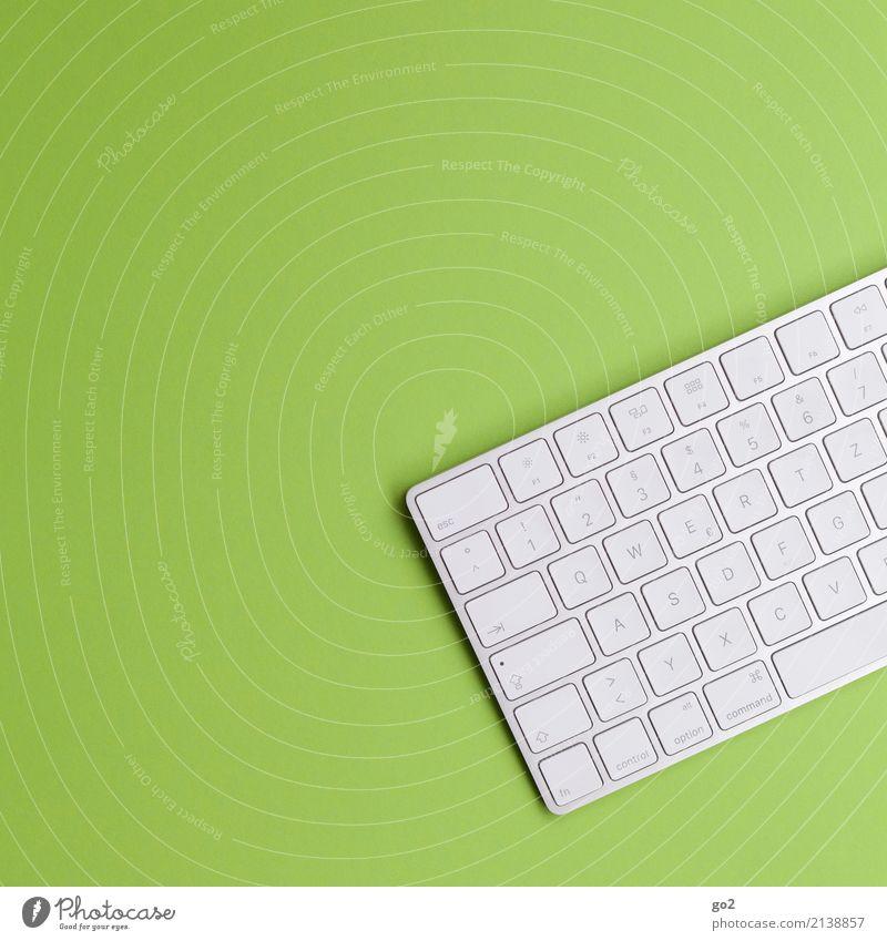 Tastatur auf Grün grün Schule Arbeit & Erwerbstätigkeit Design Büro Schriftzeichen ästhetisch Technik & Technologie Telekommunikation Computer Zukunft Studium