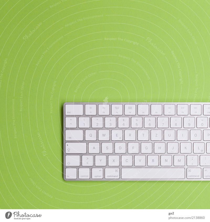 Tastatur auf Grün grün Schule Design Freizeit & Hobby Büro Schriftzeichen Kommunizieren Technik & Technologie Telekommunikation Computer lernen Studium