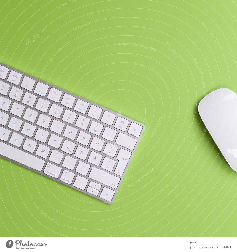 Tastatur und Maus auf grünem Hintergrund weiß Business Design Arbeit & Erwerbstätigkeit Büro ästhetisch Technik & Technologie Erfolg Zukunft Beruf Internet