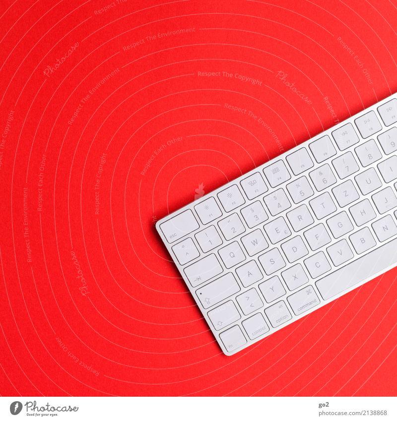 Tastatur auf Rot weiß rot Business Schule Design Arbeit & Erwerbstätigkeit Büro Schriftzeichen ästhetisch Technik & Technologie Computer Zukunft Studium Zeichen