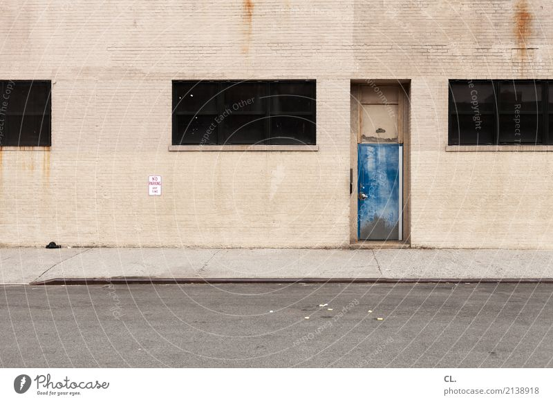 no parking any time blau Stadt Fenster Architektur Straße Wand Wege & Pfade Gebäude Mauer grau braun Fassade Verkehr Tür USA Hinweisschild