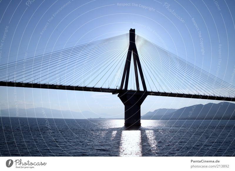 Schattenseite Sommer Meer Wasser Wolkenloser Himmel Horizont Patras Griechenland Menschenleer Brücke Charilaos-Trikoupis-Brücke Rio–Antirrio bridge