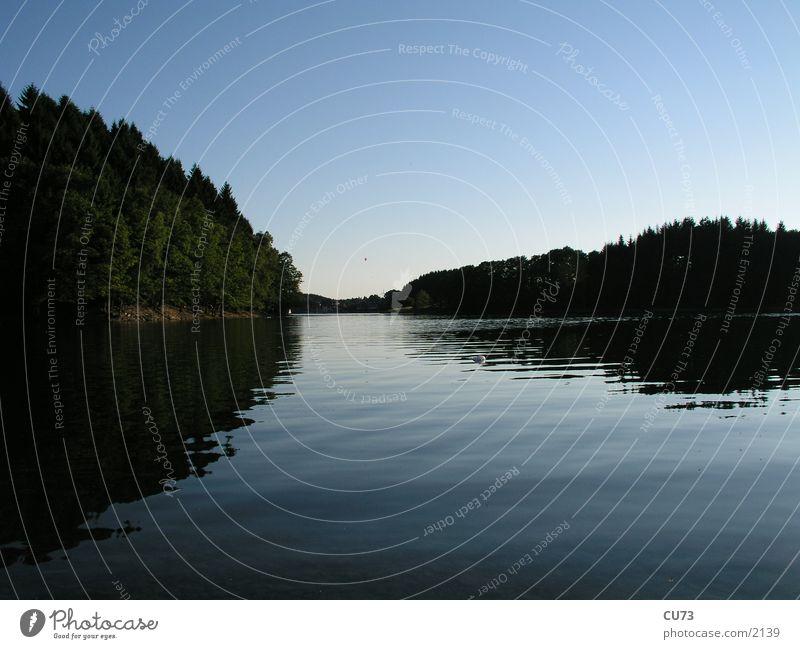 BEVER TALSPERRE 01 Spiegel Wasser Abend Natur