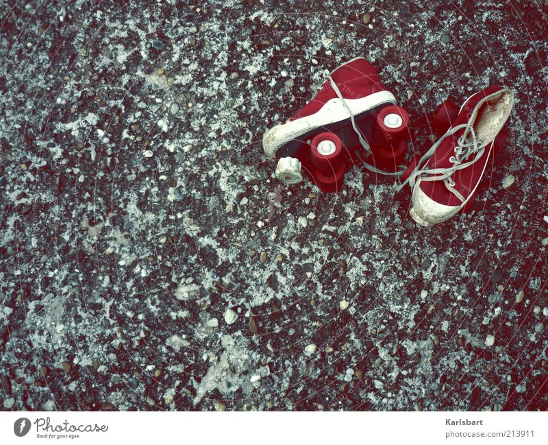 rock'n roll. Straße Sport Bewegung Wege & Pfade Stil Schuhe Freizeit & Hobby liegen Design Verkehr Lifestyle Häusliches Leben fahren analog Kindergarten