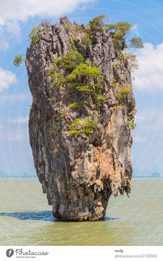 Schiefer Felsen Khao Phing Kan insel in Thailand exotisch Erholung Ferien & Urlaub & Reisen Tourismus Sommer Sonne Meer Insel Wasser Bucht blau Idylle Lagune