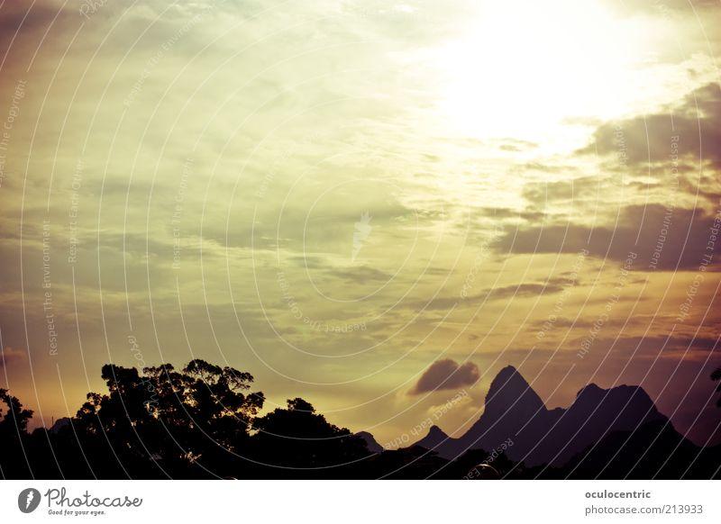 wunderbar alt Sonne Sommer Berge u. Gebirge Landschaft Umwelt China leuchten Schönes Wetter Sonnenaufgang Silhouette Schatten Sonnenuntergang Wolkenhimmel Guilin