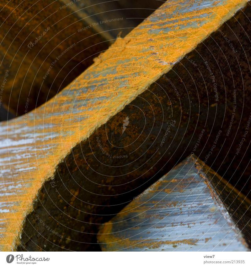 Doppel T-Träger dunkel kalt braun Metall Industrie ästhetisch authentisch Baustelle Stahl Rost Makroaufnahme Stapel Trennung Oberfläche schwer eckig