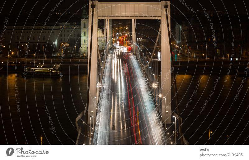 Brücke in Budapest in der Rush hour Feierabend Verkehr Berufsverkehr Straßenverkehr Verkehrsstau PKW Stress Elisabeth Brücke Reaktionen u. Effekte Leuchtspur