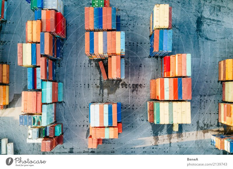Bunte Fracht Container an einem Logistik Terminal Business Verkehr Wachstum Technik & Technologie Zukunft Industrie Eisenbahn Güterverkehr & Logistik Hafen