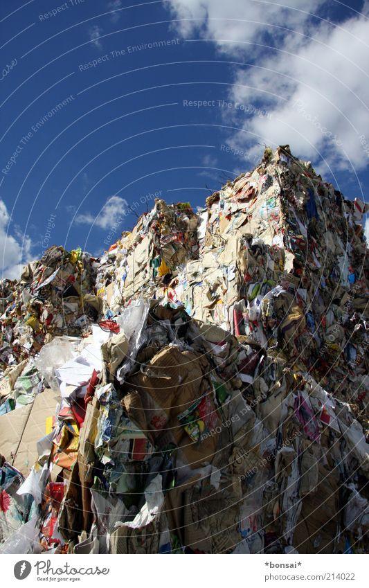 recycling Energiewirtschaft Himmel Wolken Sonnenlicht Schönes Wetter Papier Verpackung fest groß hoch nachhaltig oben viele blau Ordnung Umweltverschmutzung