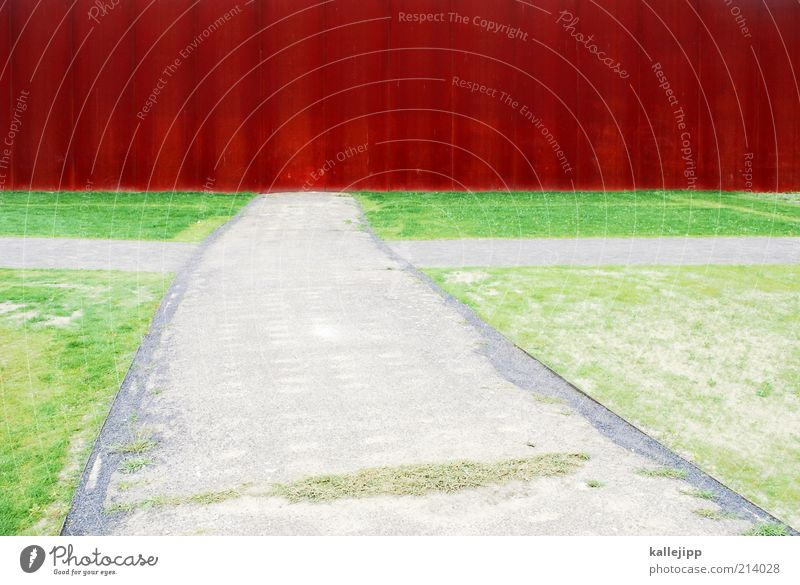 fluchtversuch Park Wiese Mauer Wand Verzweiflung Mauerstreifen Straßenkreuzung Ausweg Ende Endstation ausweglos Denkmal DDR Flucht Fluchtpunkt Misserfolg Umweg